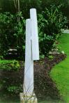Fekete özvegy, 1991 kl, márvány, 150x21,5x11 cm